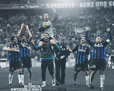 (L-R) Inter Milan's Serbian midfielder D
