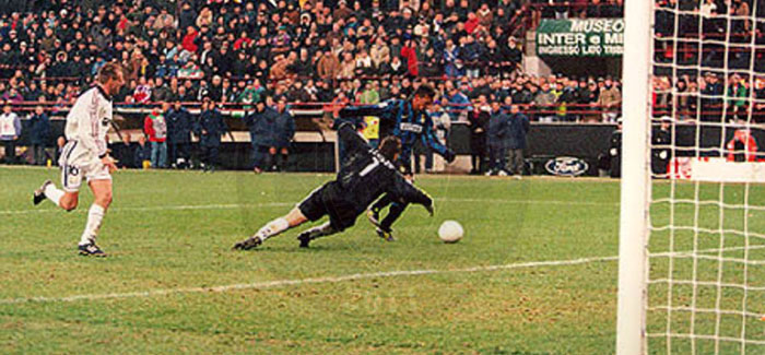 Inter-Real Madrid 3-1, 25/11/1998 – Mbremja e Divin Codino