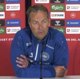 """Eriksen, tranjeri i Danimarkes zbulon detaje te tjera: """"Kam folur sot perseri me Eriksen. Ta shohesh ate qe shqetesohet per ne tregon per madheshtine e tij."""""""